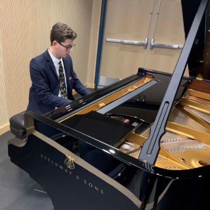 /news/in-store-news/matthew-figgie-dream-fulfilled-with-nothing-but-steinway-pianos-for-gilmour-academy